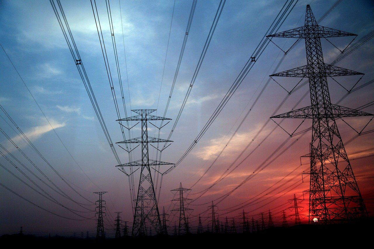 electricity-pylon-3916956_1280